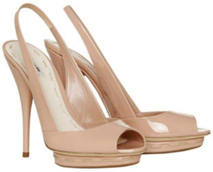 Zapato de novia con tacón alto de Miu Miu