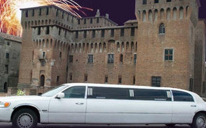 Giro in limousine per la futura sposa e le amiche