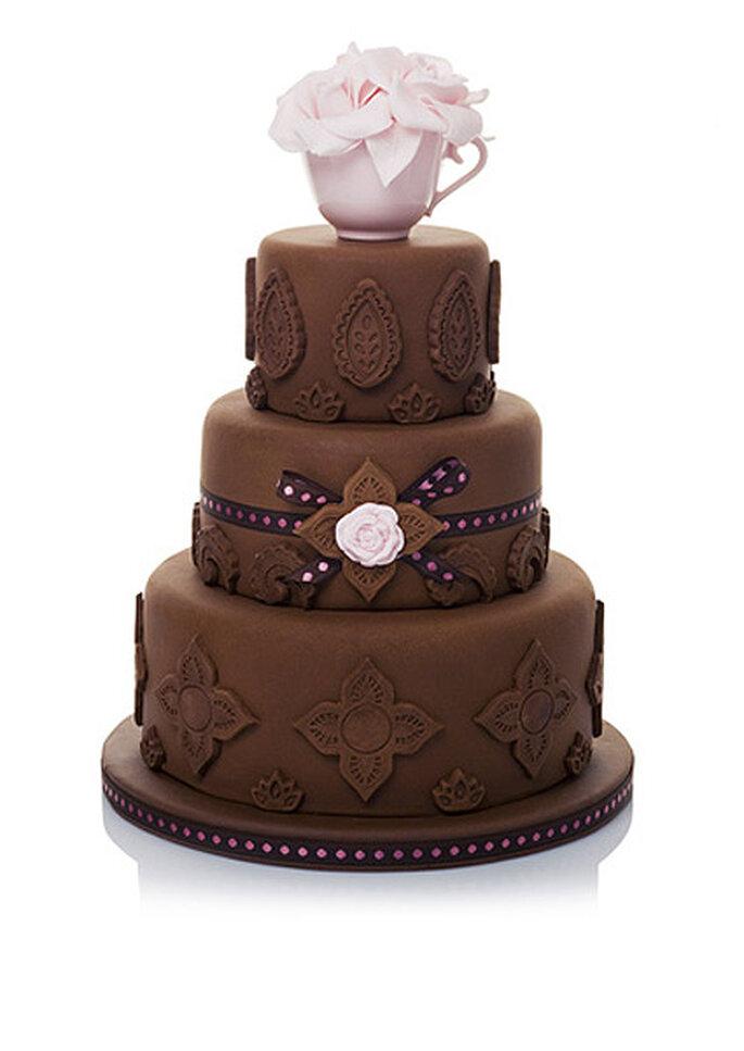 Hochzeitstorten in dunkler Schokolade passen ideal zu Herbsthochzeiten – Foto: tarta