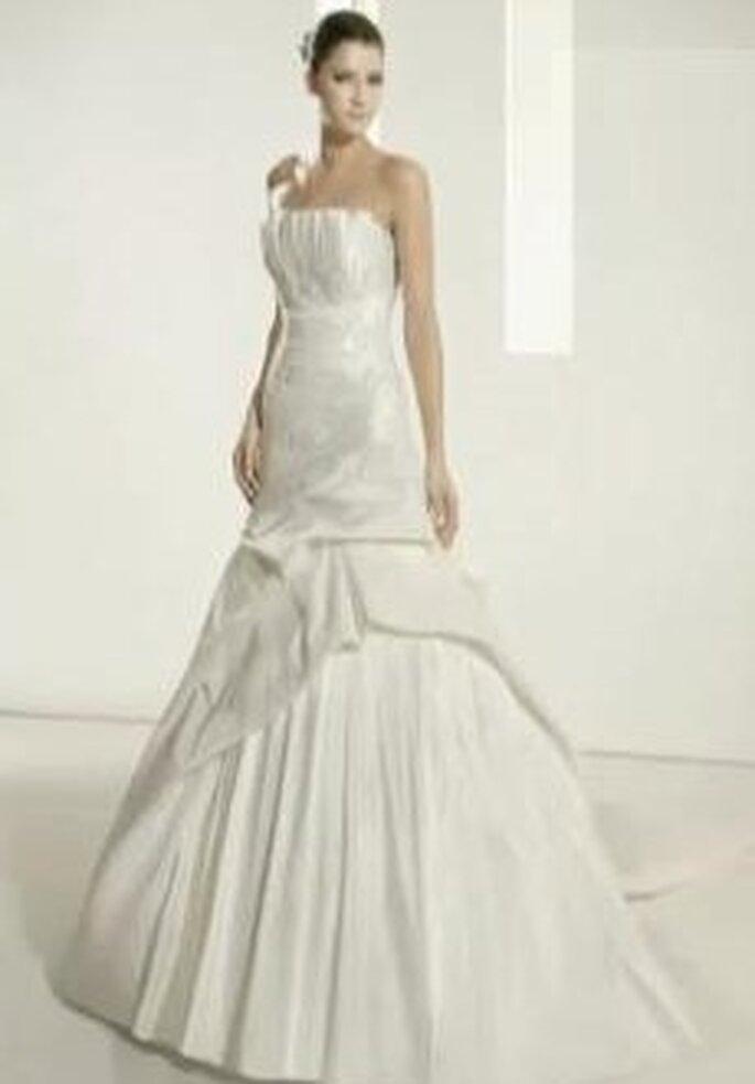 Colección de vestidos de novia en seda mixta White One 2011