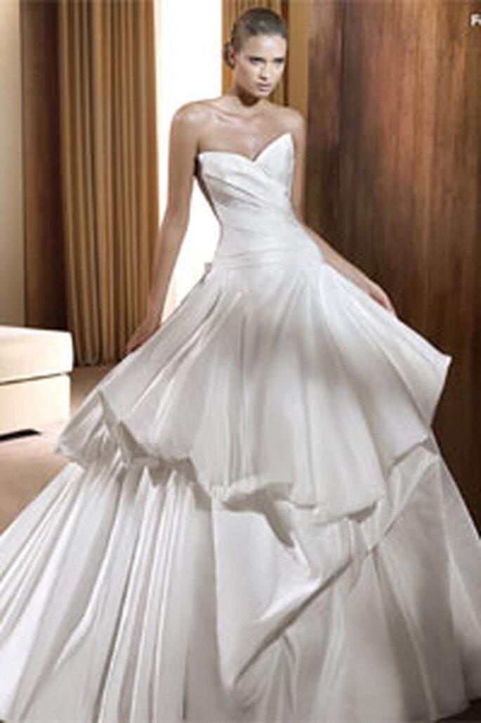 Robe blanche à bustier modèle Feria