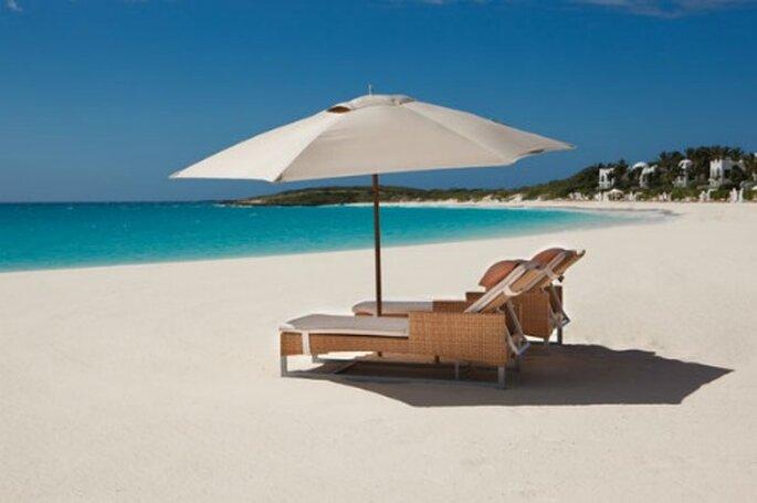 Il mare trasparente dei Caraibi e una spiaggia di sabbia candida...se non è il paradiso questo!