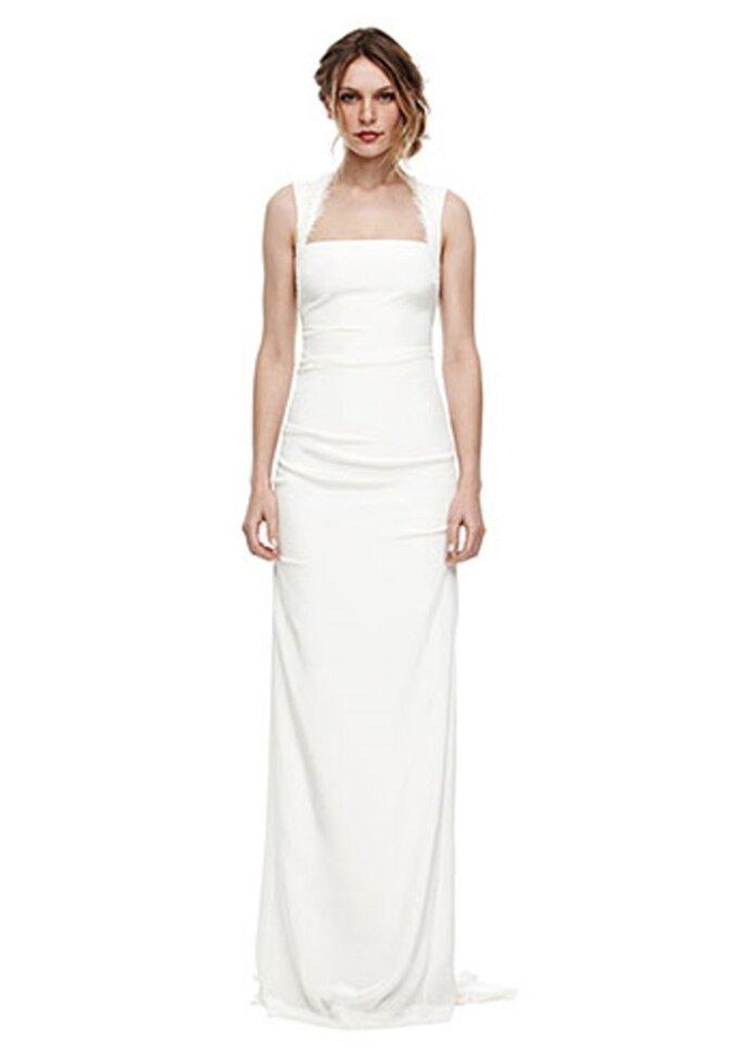 Vestido de novia con detalles en los hombros y espalda - Foto Nicole Miller