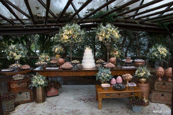 Decoração, flores e paisagismo: Charme de Moça - Decoração Criativa - Foto: Riatla Studio