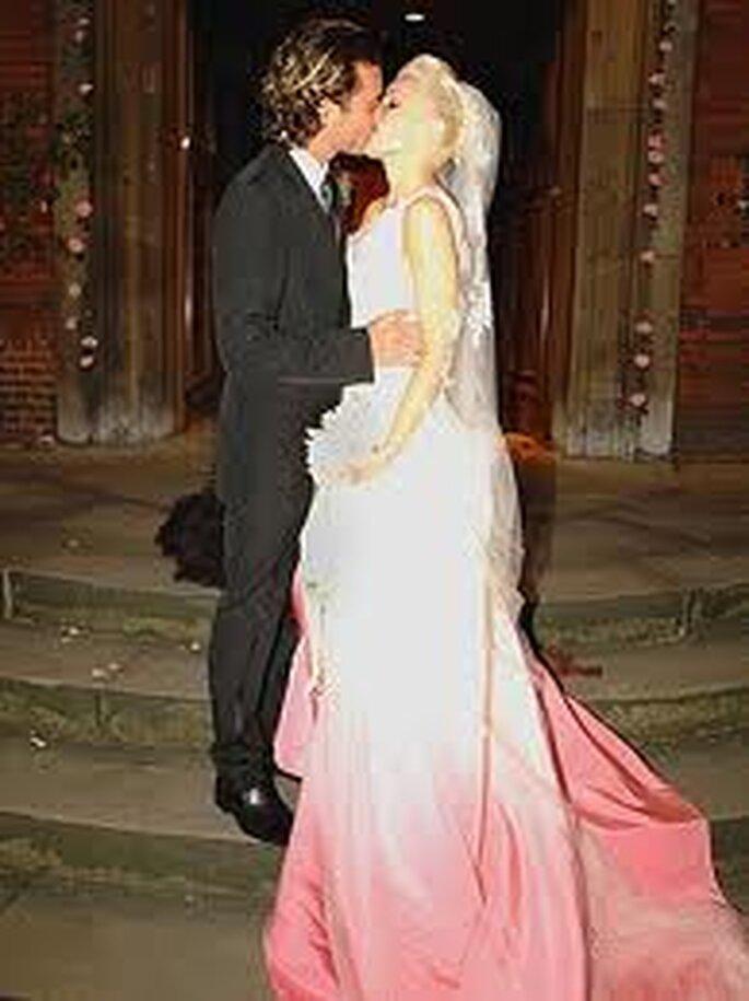 7. John Galliano diseñó el vestido de novia de Gwen Stefani cuando ella se casó con la estrella de rock Gavin Rossdale.