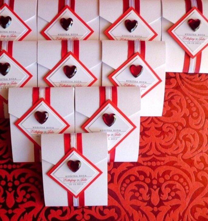 Invitaciones para boda originales. Foto del sitio de Víctor Jacobo, diseño gráfico.
