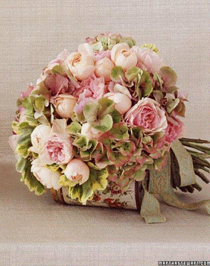 Blumen in Pastellfarben - Foto: marthastewartweddings.com