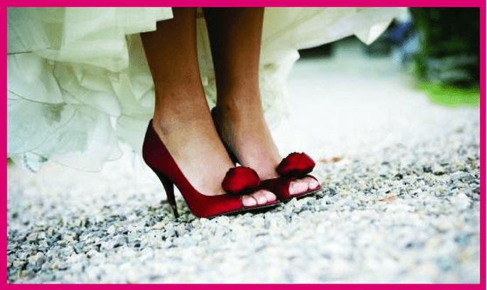 detalle en rojo para la novia