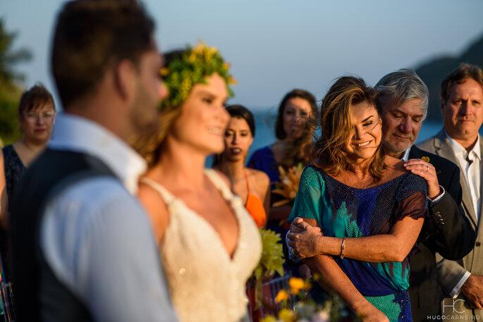 Emoção pais da noiva
