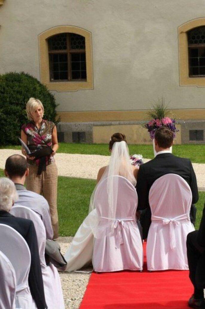 Die Hochzeitsrednerin in Aktion. Foto: Sabine John