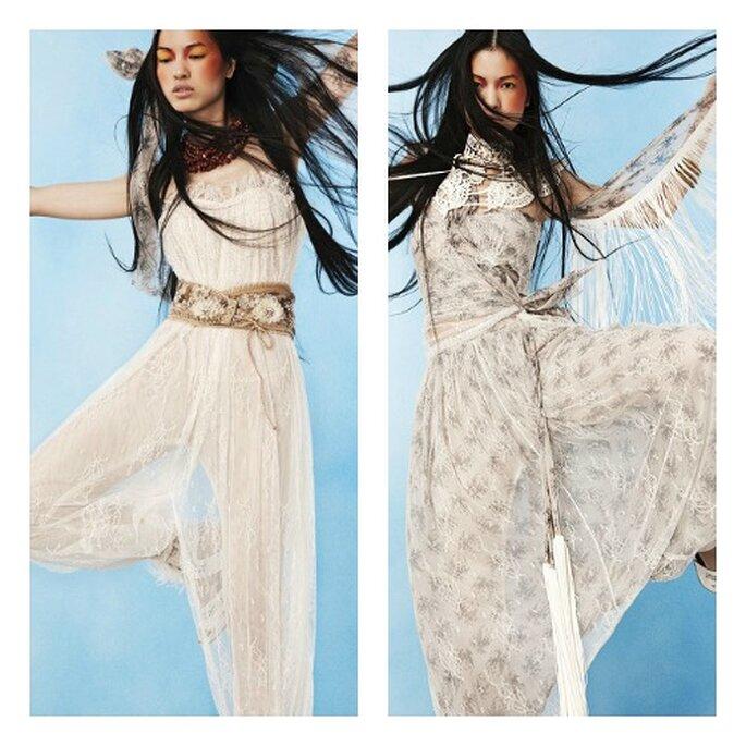 Decisamente freschi e naif, due modelli di pantaloni da sposa in tessuti fiorati, dalla consistenza imalpabile. Foto: Yolan Cris