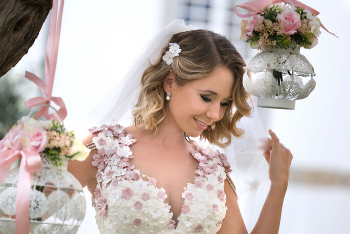 vestido de noiva com aplicações