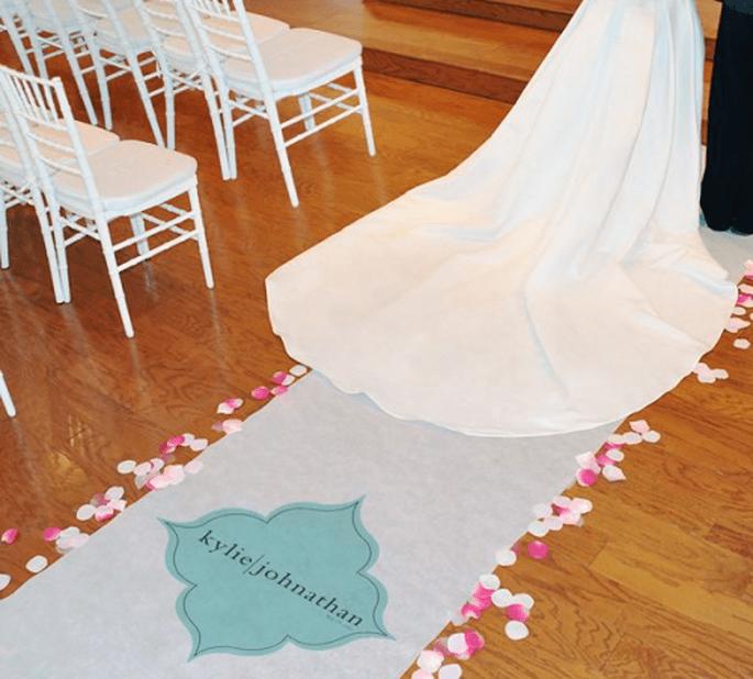 Personaliza tu tapete para boda con un diseño minimalista - Foto Making Memories and More