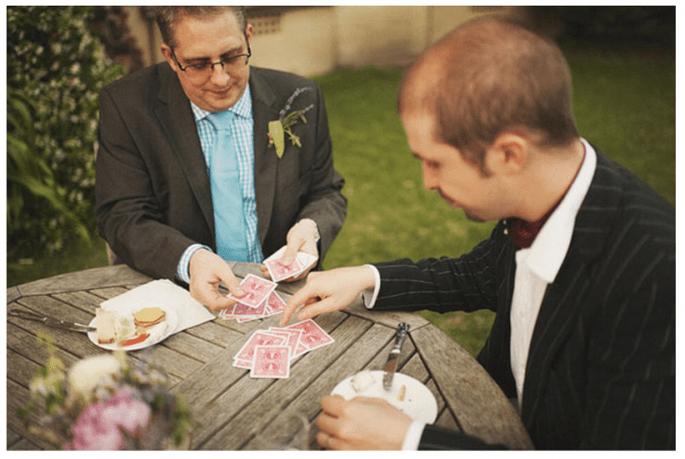 No olvides un buen juego de cartas para los tradicionales - Foto Ed Peers