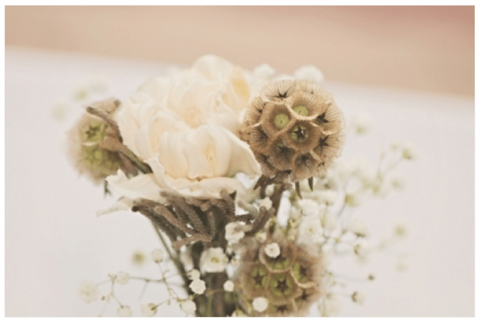 Inspiración para decorar tu boda en colores neutros - Foto J. Layne Photography