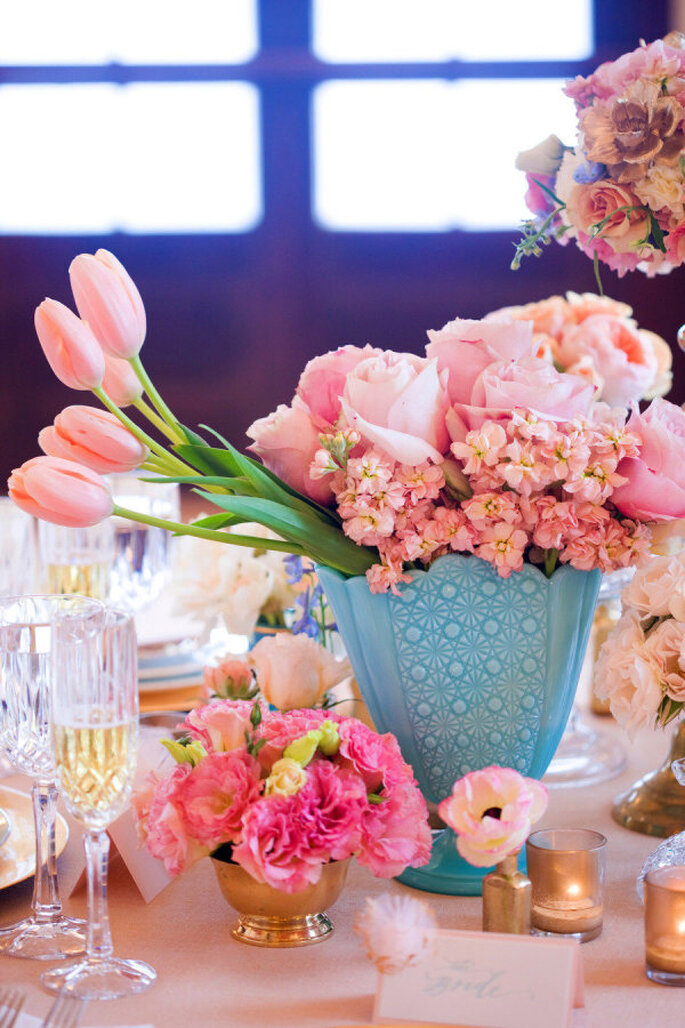 decoración con tulipanes - Corbin Gurkin Photography