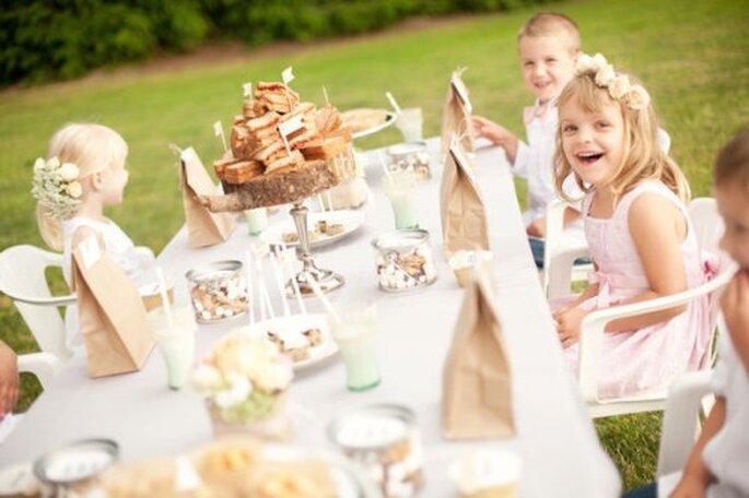 Qué hacer con los chicos en la boda - Fotos: Style me pretty