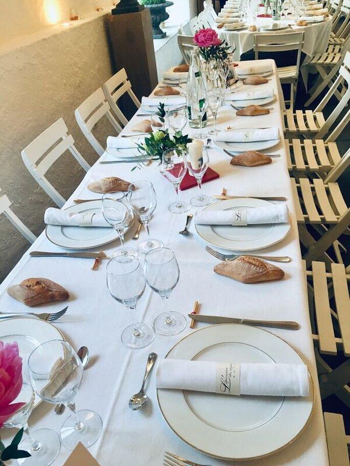 Table décorée pour un mariage sobre et champêtre