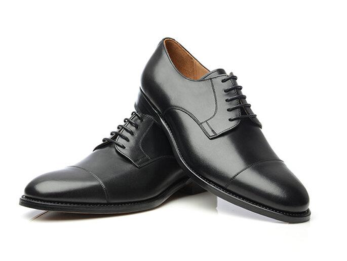 Photo : Shoepassion.com - Nº540 : derby classique à bout droit en noir avec une laçage ouvert à 5 trous
