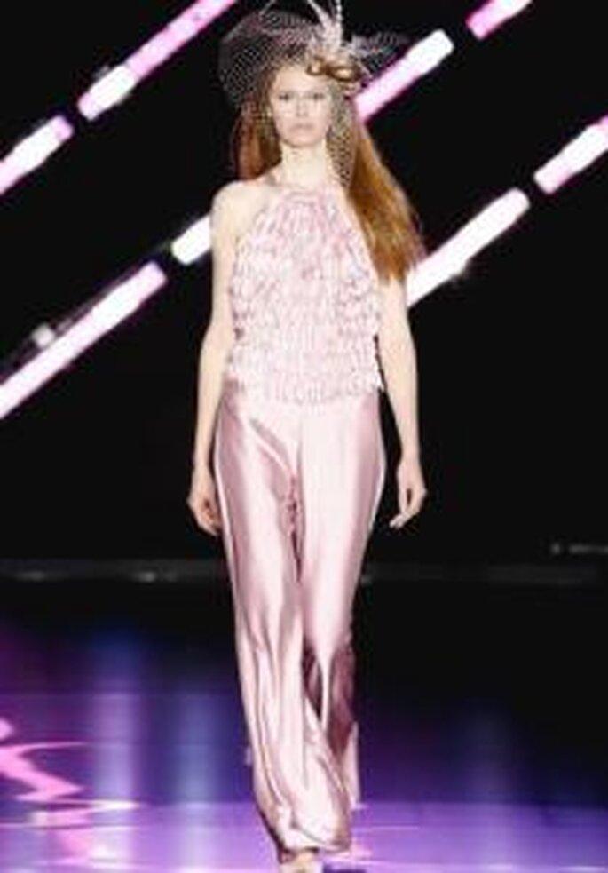 Cabotine 2010 - Conjunto en seda rosa, de cuello halter