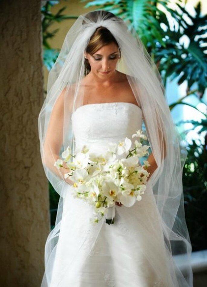 Bouquet de mariée blanc - Réalisation Fleurs-a-l-unite.com