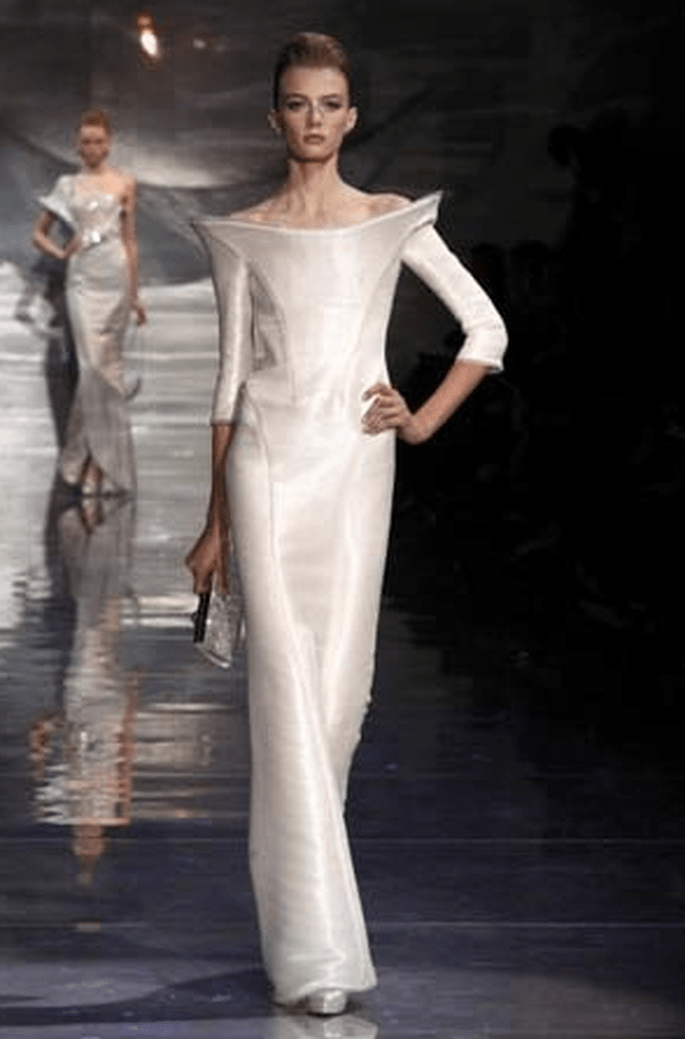 Eckiger Ausschnitt - Brautkleider Armani 2011