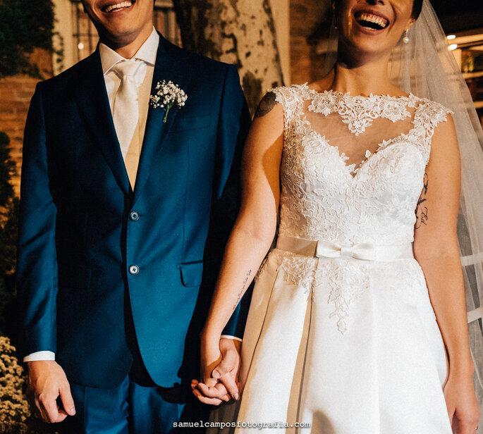 trajes do noivo e da noiva
