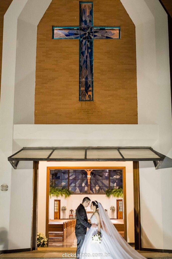 Noivos na capela