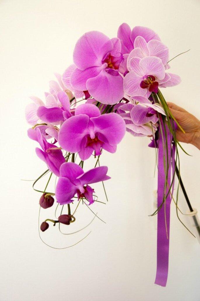 Orchidées dans un bouquet de mariée : une pure merveille - Crédit photo : Elisabeth Delsol