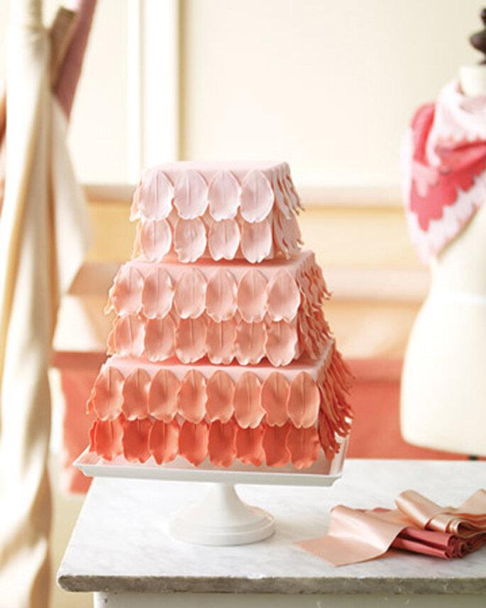 Pastel de boda estilo ombré - Foto Martha Stewart Weddings