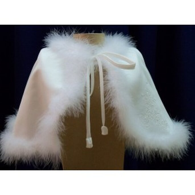 mariage en hiver les top accessoires en fourrure 2011. Black Bedroom Furniture Sets. Home Design Ideas