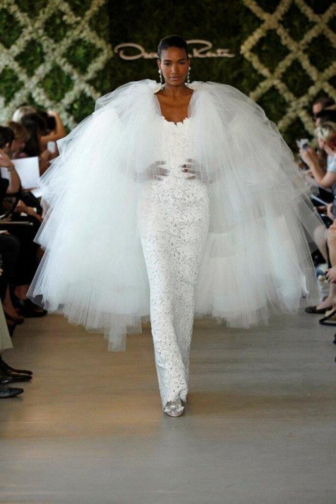 Capa de novia con gran volumen - Foto Oscar de la Renta 2013