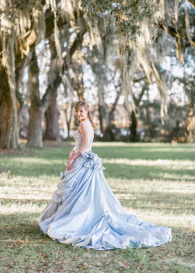 Tu vestido de novia en color azul polveado - Foto Pasha Belman