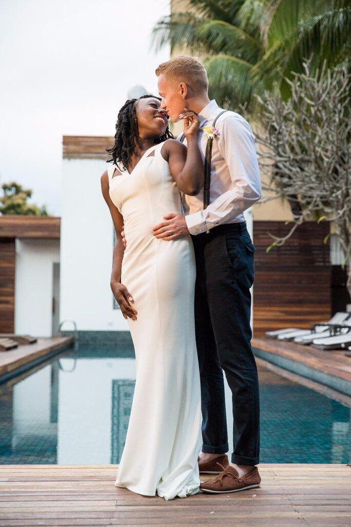 Traje do noivo casamento ao ar livre
