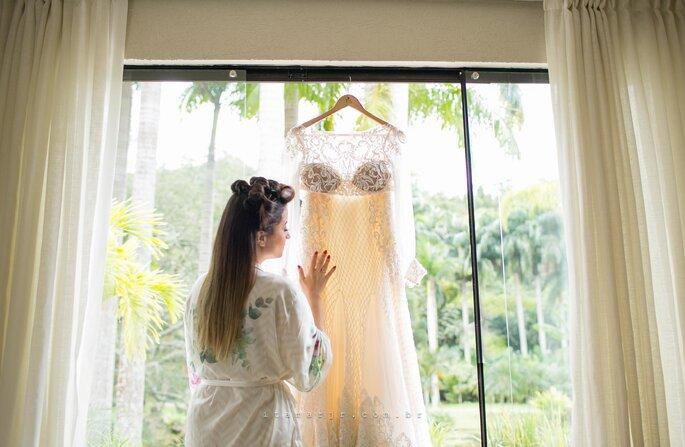 Vestido de noiva: Atelier Carol Hungria - Fotografia: Itamar de Assis Jr. Photography