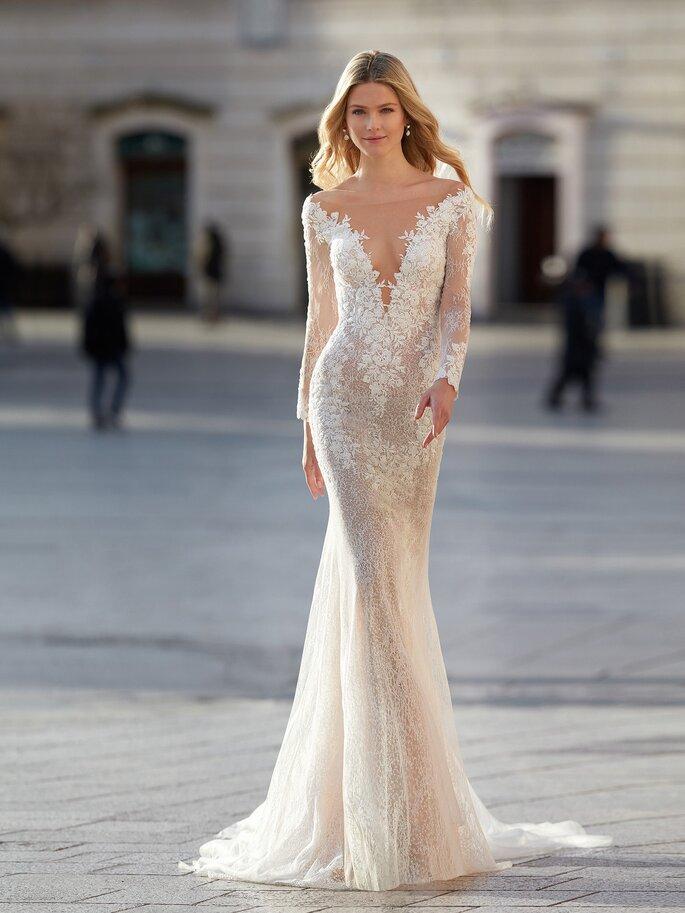 Vestido de novia con mangas largas y corte sirena