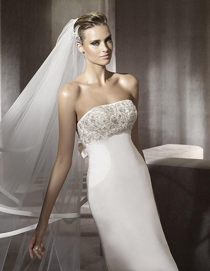 Vestido de novia palabra de honor. Modelo Palco-D. Foto: Pronovias