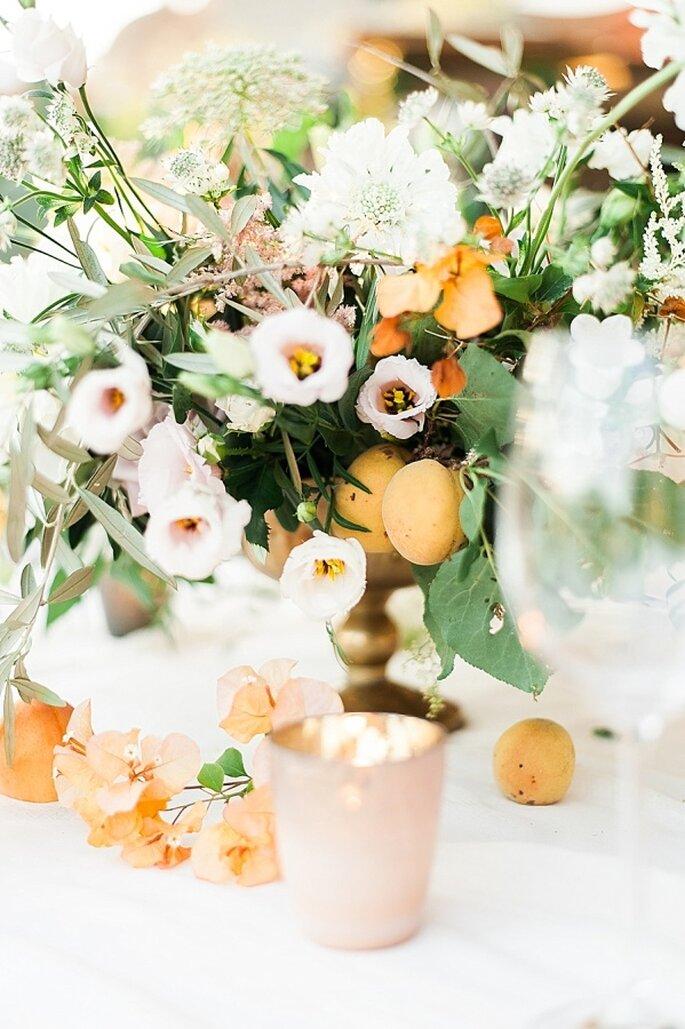 decoración en tono durazno -Taylor Barnes Photography
