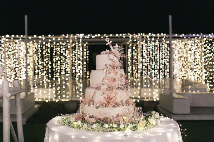 Giuvida Luxury Events - torta nuziale tema marittimo
