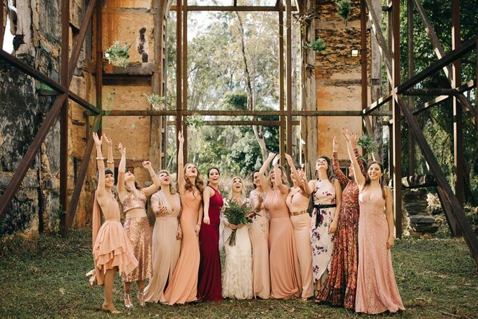 Madrinhas de casamento em tons de nude