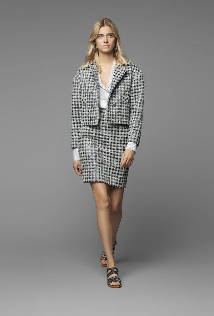Traje para invitada con chaqueta y falda en tweed
