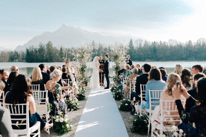 Hochzeitszeremonie im Freien im Salzbuger Land