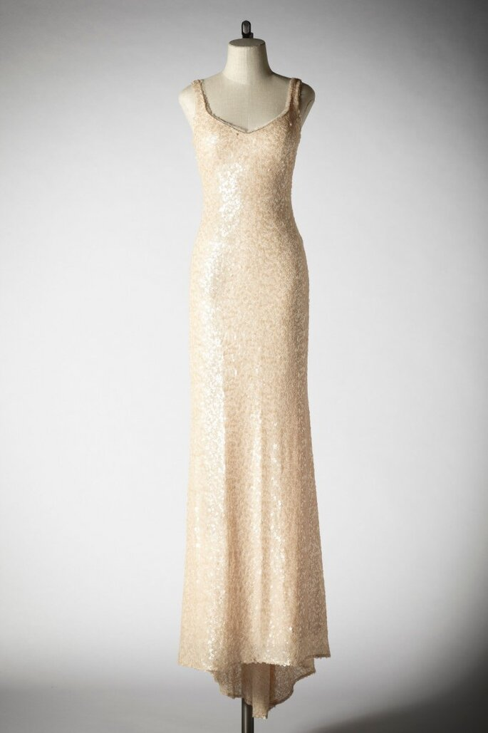 Modello Badgley Mischka per BHLDN. Foto: BHLDN