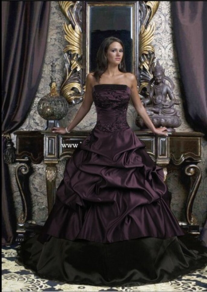 Drama Queen - Gothicweddingdresses.webs.com