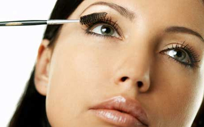 Un buen maquillaje te ayuda a destacar el día de tu boda