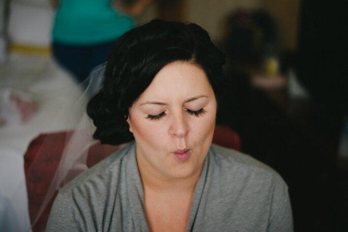 Peinados clásicos para novias. Foto de Alexandra Roberts.