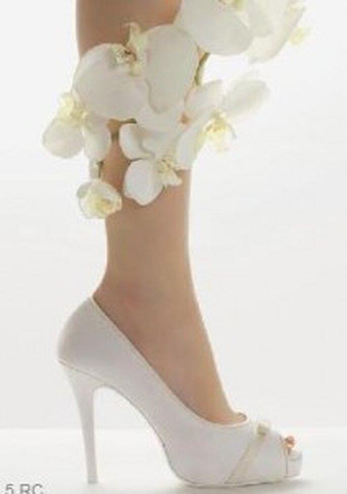 Zapatos peep toe con adorno delantero en forma de lazo y de color - Rosa Clará