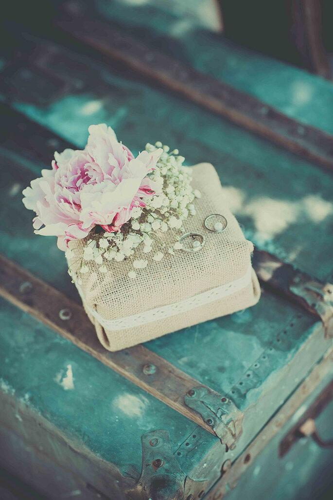 organisation-mariage-provence-idee-decoration-alliance-pastel-pivoine