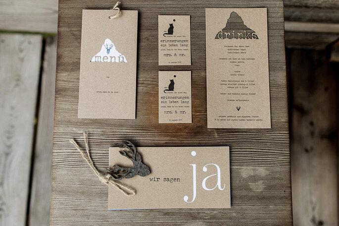 Hochzeitspapeterie Tell Me Motto-Karten