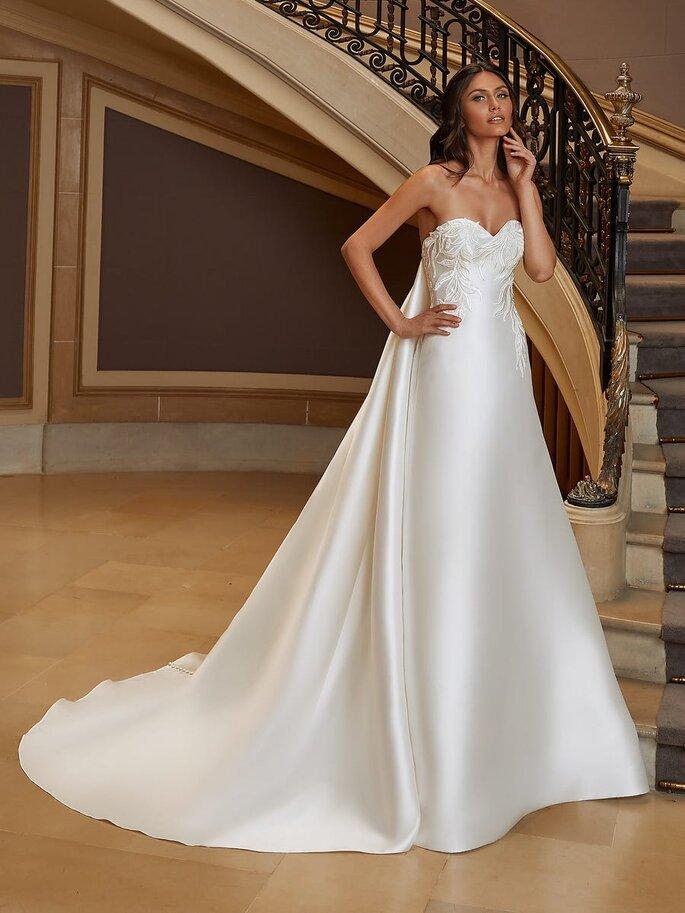 Pronovias Vestidos de novia sencillos Vestido de novia corte en a con escote corazón y espalda descubierta en mikado